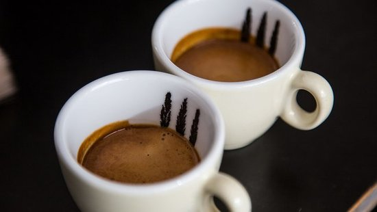 Gerringong, Australia: Award winning ONA specialty coffee served with a smile at Blue Espresso Bar.