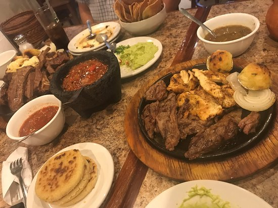 Apodaca, Messico: More meat than a Farmers Market! Beef, Chicken, Arrachera and so on!