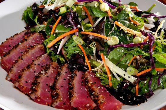 Amsterdam, Estado de Nueva York: Ahi Tuna Salad