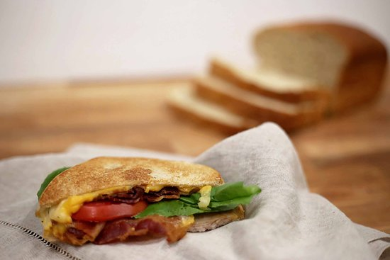 Arthur, IL: Juicy Sandwiches from Roselens