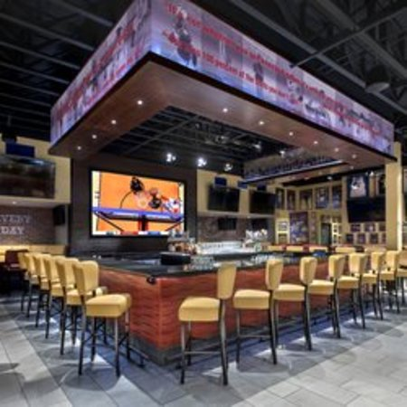 Rensselaer, NY: Bar Area