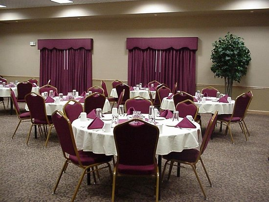 Russell, KS: Conference center