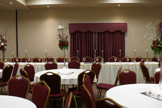 Russell, KS: Wedding set up