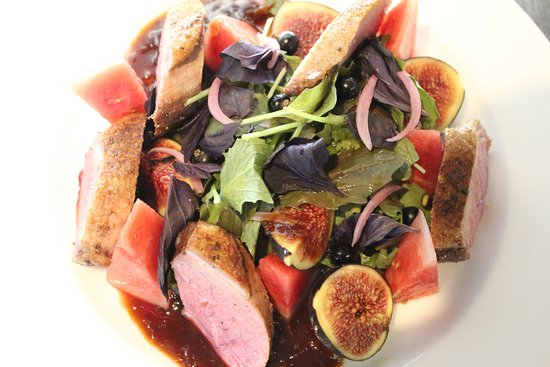 Broseley, UK: Duck salad with fig and watermelon