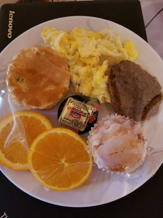 Main Street B & B: Great breakfast delivered to your room