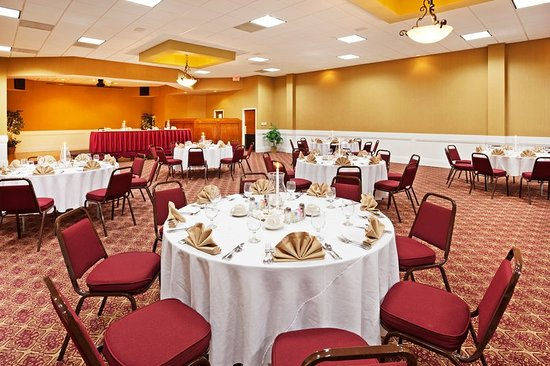 Johnson City, TN: Ballroom