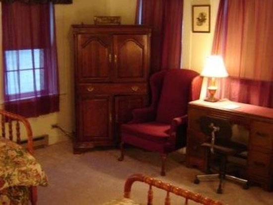 Antrim, NH: Guest room