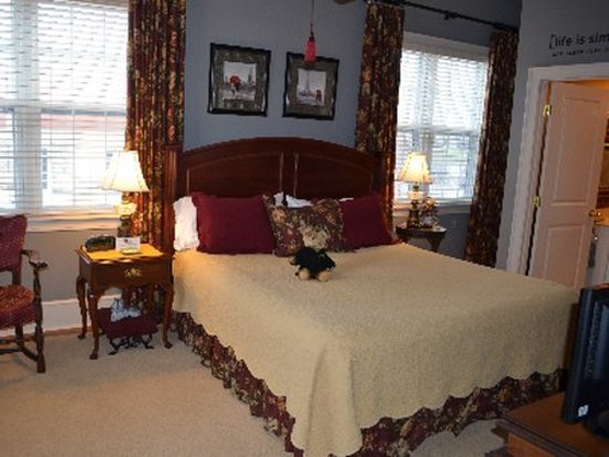 The Collins House Inn: Guest room