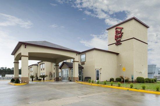 Red Roof Inn & Suites Lake Charles: Exterior