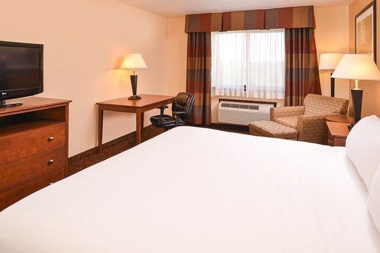Morgantown, WV: Guest room