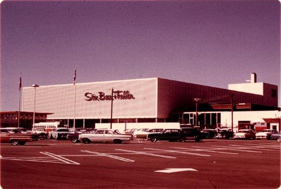 Jennings, Missouri: Former Stix, Baer & Fuller at River Roads Mall - Jennings, Missouri, 1961