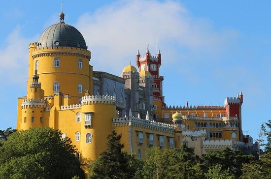 Discovering Sintra, Roca Cape and...