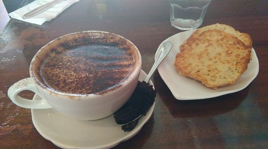Verona Cafe: Mocha and scone