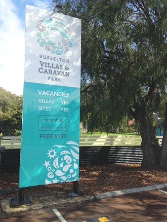 Busselton Villas & Caravan Park: Busselton Villas Entrance only 1.5 kms from town centre