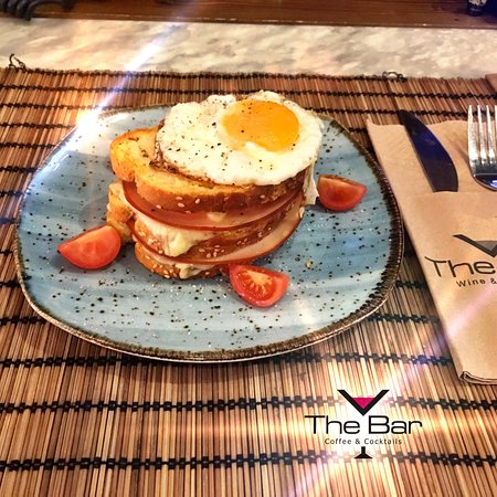 #thebarchalastra #chalastra #onebar #onelove #pancakes #spesialfood #breakfast #wine #coffee #dr