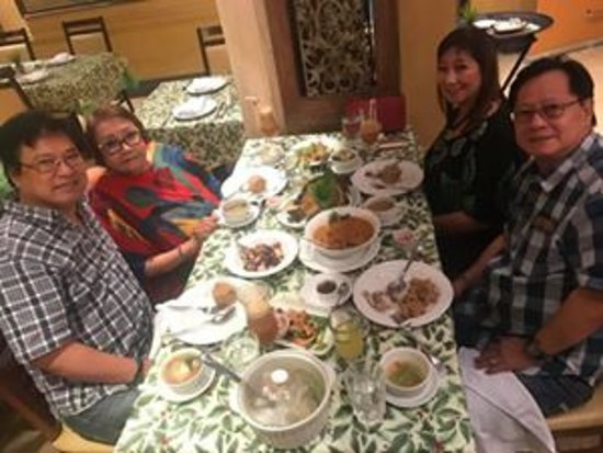 Bistro Remedios: With our friends