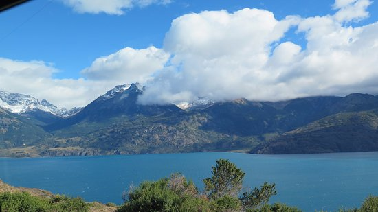Lago Carrera cerca de Puerto La Poza