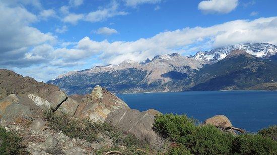 Puerto La Poza, Cile: Lago Carrera desde la ruta 265