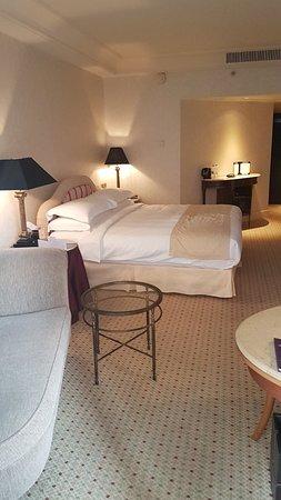 Phoenicia Hotel: 20180321_170106_large.jpg