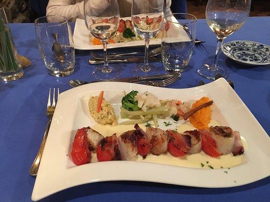 Das zertifikat für exzellenz von tripadvisor wird an unterkünfte sehenswürdigkeiten und restaurants verliehen die regelmäßig tolle reisebewertungen