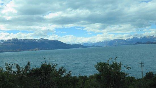 Lago Carrera cerca de Puerto Guadal 2