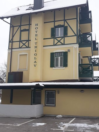 Hotel Triglav Bled: 20180320_121120_large.jpg