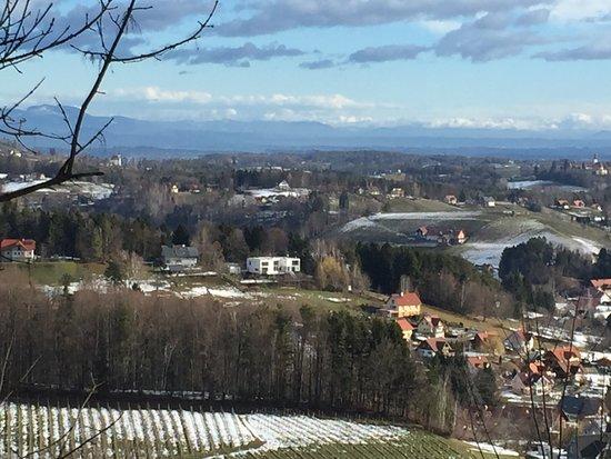 Schwanberg, Austria: Aussicht von der Josefikirche