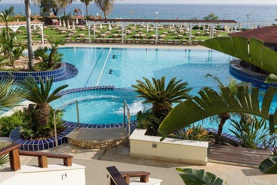 Capo Bay Hotel: Pool Area