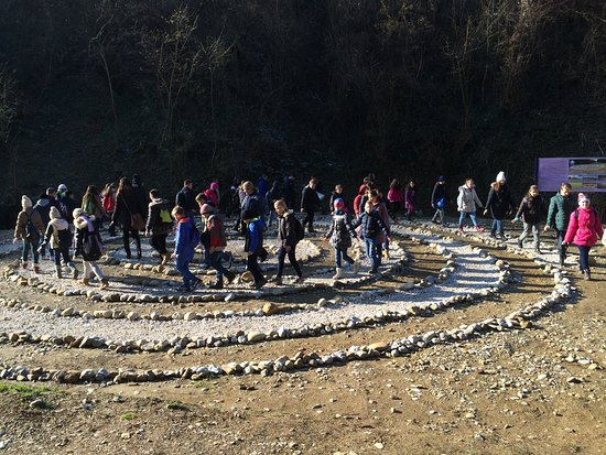 Visoko, Bośnia i Hercegowina: Children in the Purification Labyrinth