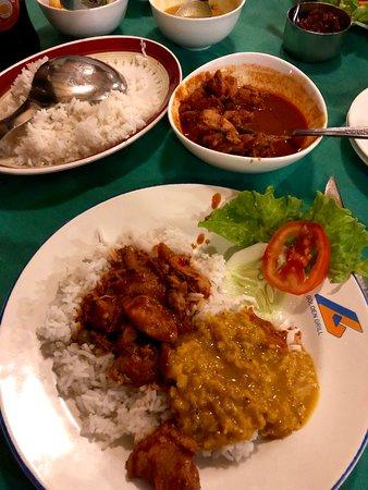Bentota Food Guide: 10 Must-Eat Restaurants & Street Food