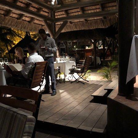 La Maree Beach Restaurant & Bar: photo2.jpg