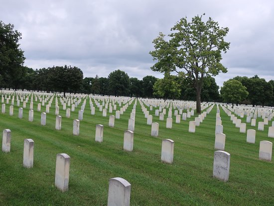 ‪Fort Snelling National Cemetery‬