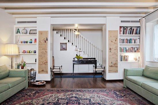 Oltre Il Giardino: Soggiorno - Livingroom