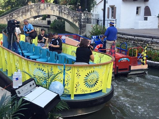 Taxi San Antonio >> One River Tour Boat One River Taxi Picture Of Rio San Antonio