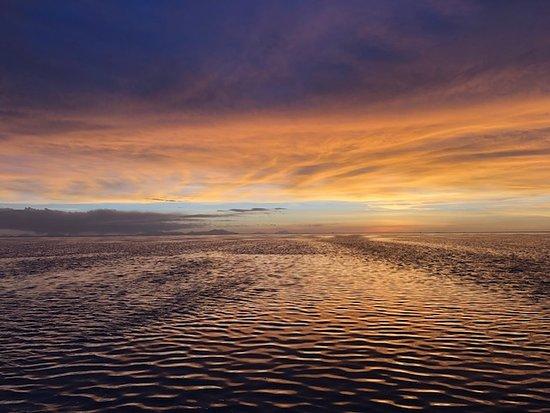 Sunset En El Salar De Uyuni Picture Of Intense Bolivia La