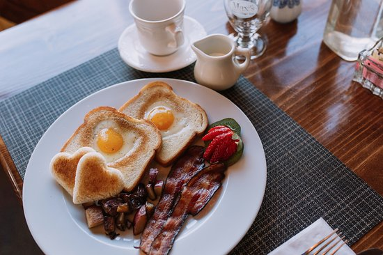Eaton, NH: Our cooked to order breakfast is legendary.