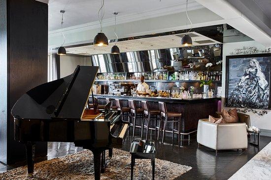 Dash Restaurant & Bar: Dash | Newmark