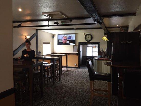 Kings Langley, UK: Top Bar