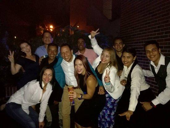 Renaissance Caracas La Castellana Hotel : Noche Genial entre amigos #entrehojasccs
