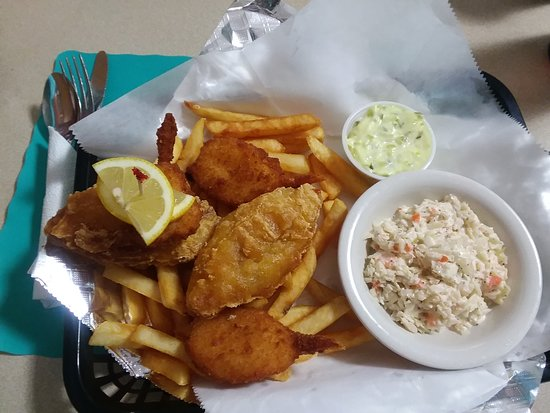 Taylor, PA: Fish, shrimp, with home made tarter sauce and cole slaw - special