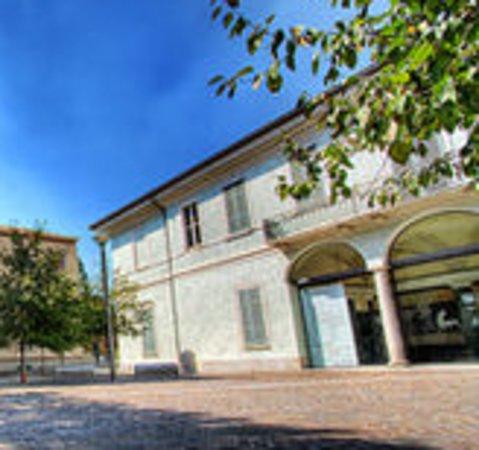 Fondazione Isec - Istituto per la Storia Dell'eta Contemporanea