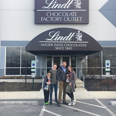 Lindt Chocolate Factory Outlet Carlisle Pa