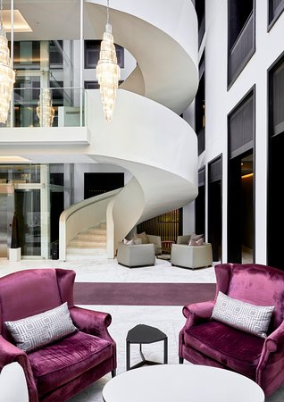 Queen Victoria Hotel & Manor House: Queen Victoria Hotel   Newmark