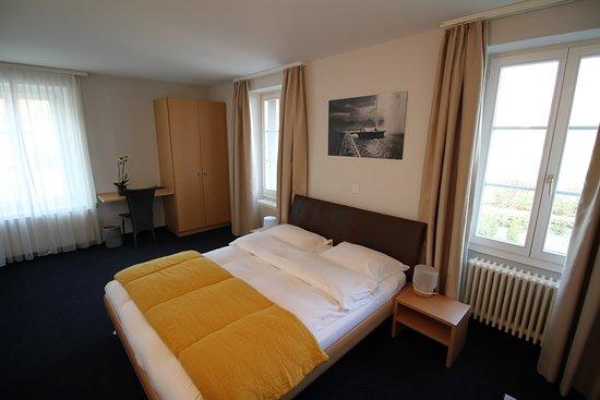 Bursinel, سويسرا: Chambre supérieure 