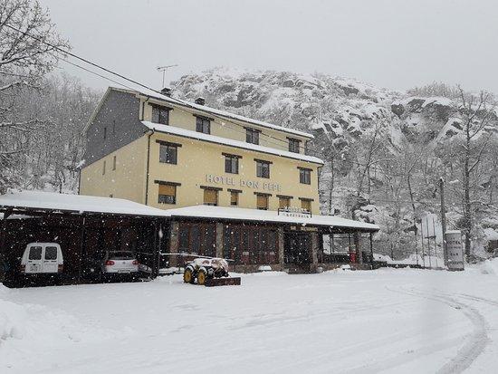 Ribadelago, Spain: Foto del Restaurante en una nevada el pasado Febrero