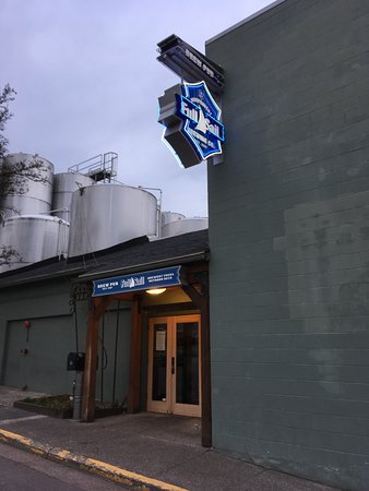 Full Sail Brewing Co: Exterior Entry