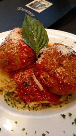 Woodbridge, NJ: Homemde Meatballs