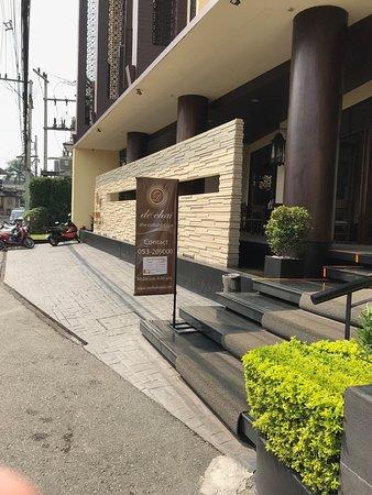 De Chai The Colonial Hotel Photo