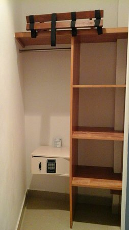 Suites Gaby Hotel: Safes provided