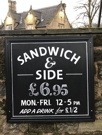 Worsley, UK: Lunchtime Meal Deal!